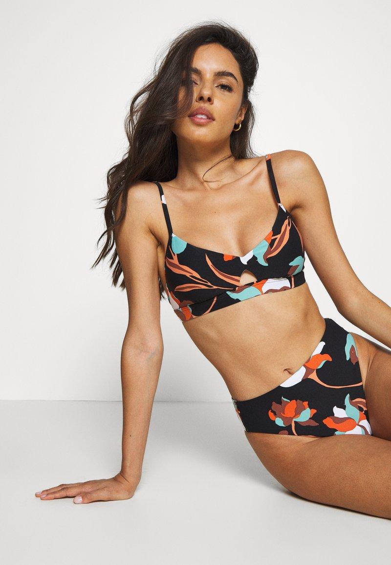 Seafolly - FLOWER MARKET BRALETTE - Bikini top - black