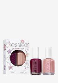 Essie - NAILPOLISH GIFT SET YOU'RE THE BEST - Nagelverzorgingsset - 44 bahama mama/11 not just a pretty face - 0