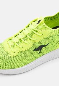 KangaROOS - K-ACT STASH - Trainers - neon yellow/jet black - 5