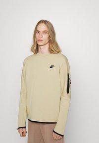 Nike Sportswear - Sweatshirt - grain/black - 0