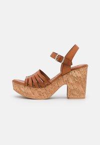 Musse & Cloud - KATYA - Sandály na platformě - brown - 0