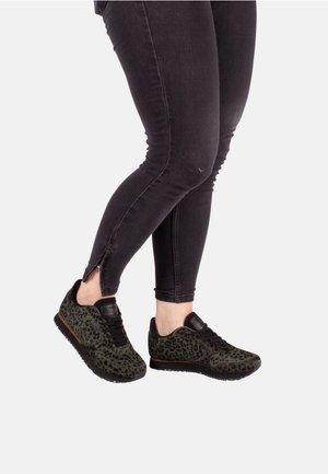 YDUN II PONY - Sneakers laag - dark green