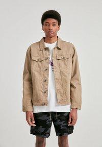 PULL&BEAR - Džínová bunda - mottled brown - 0