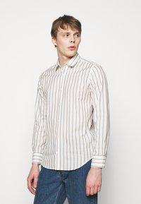 Frescobol Carioca - Shirt - off-white - 0