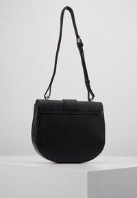 Decadent Copenhagen - KIM SATCHEL BAG - Across body bag - black - 2