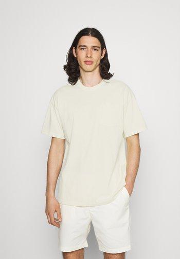 TEE POCKET - T-shirt - bas - coconut milk