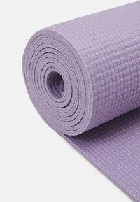 Casall - EXERCISE MAT BALANCE - Fitness / Yoga - caring purple - 2
