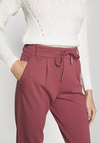 ONLY Petite - ONLPOPTRASH EASY COLOUR PANT - Pantalon classique - dark red - 4