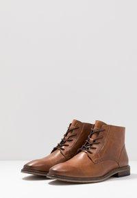Pier One - Classic ankle boots - cognac - 2