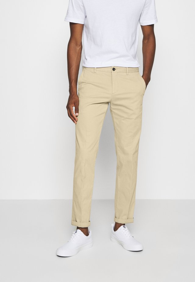FLEX SLIM FIT PANT - Pantalon classique - beige