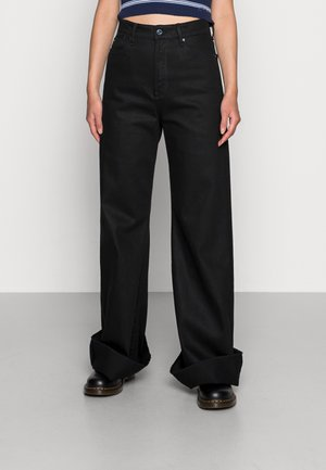 DECK ULTRA HIGH WIDE LEG - Flared Jeans - pitch black