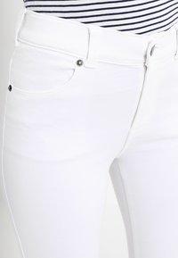 Dr.Denim Petite - LEXY - Skinny džíny - white - 5
