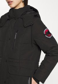 Superdry - LONGLINE EVEREST COAT - Winter coat - black - 6