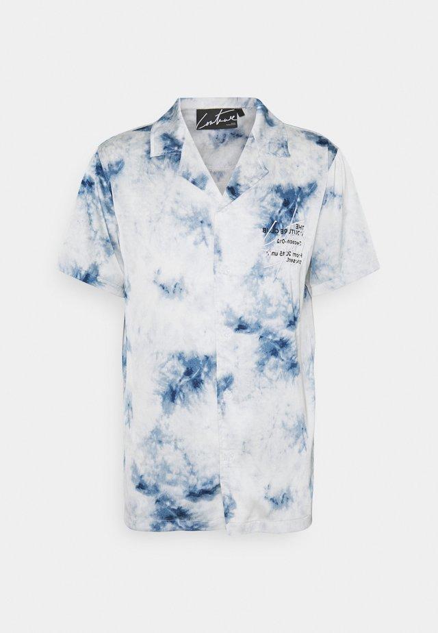 SIGNATURE SEASON TIE DYE RESORT - Camicia - blue cloud