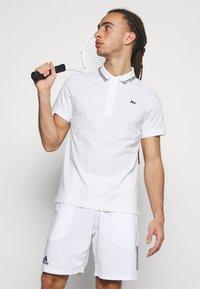 Lacoste Sport - DETAILED COLLAR - Poloshirt - white/black - 3