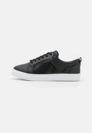 WIDE FIT ESTEE - Sneakers laag - black