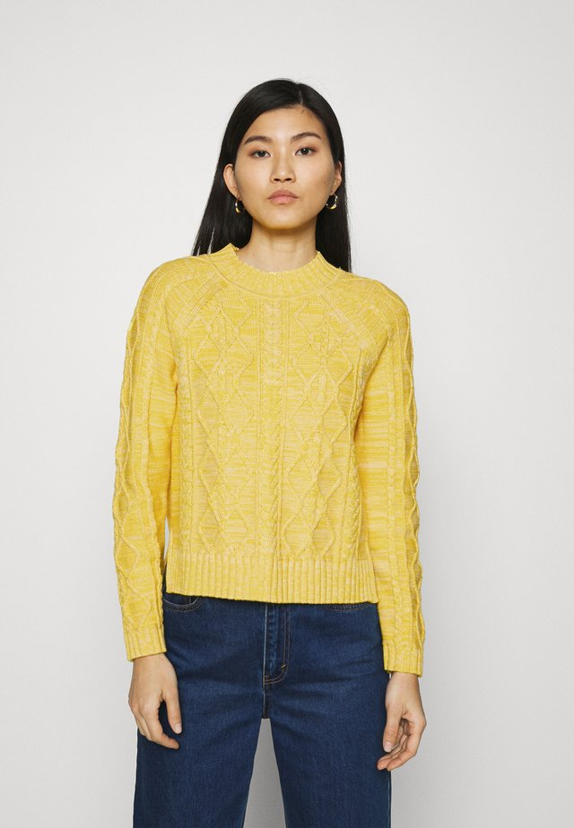 CABLE CREW - Sweter - misted yellow