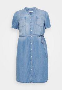 CARUSH LIFE KNEE DRESS - Vestito di jeans - light blue denim