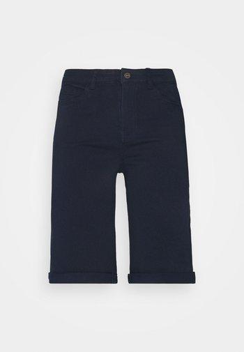 VMHONNISEVEN LONG FOLD - Shorts di jeans - navy blazer