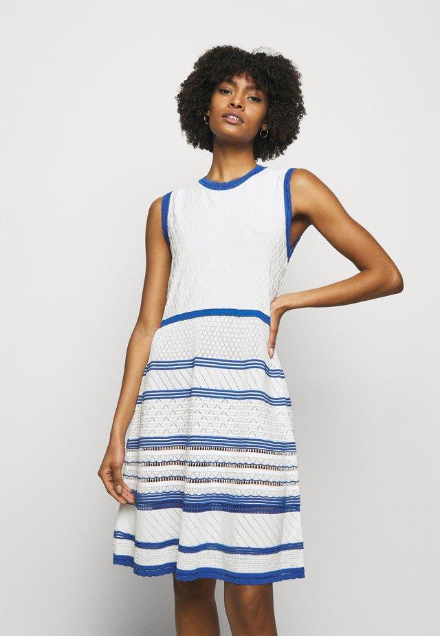 Robe d'été - fantasy print blue