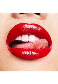 MAC - PATENT PAINT LIP LAQUER - Lip gloss - latex love - 2