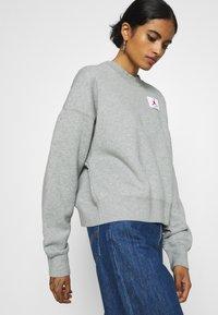 Jordan - FLIGHT CREW - Sweatshirt - grey heather - 3