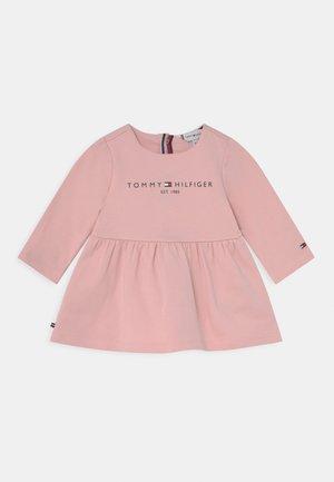 BABY ESSENTIAL - Robe d'été - pink