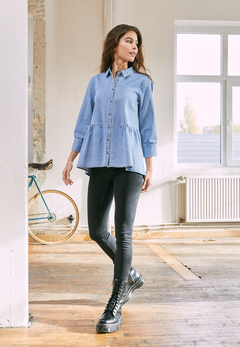ONLY - ONLMARY CANBERRA AUTHENTIC  - Button-down blouse - medium blue denim
