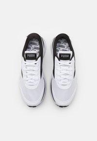 Puma - CRUISE RIDER - Trainers - white/black - 5