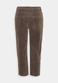 CLOSED - ABE - Pantaloni - chocolate chip - 1