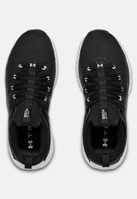 Under Armour - HOVR RISE - Chaussures de running neutres - black - 1