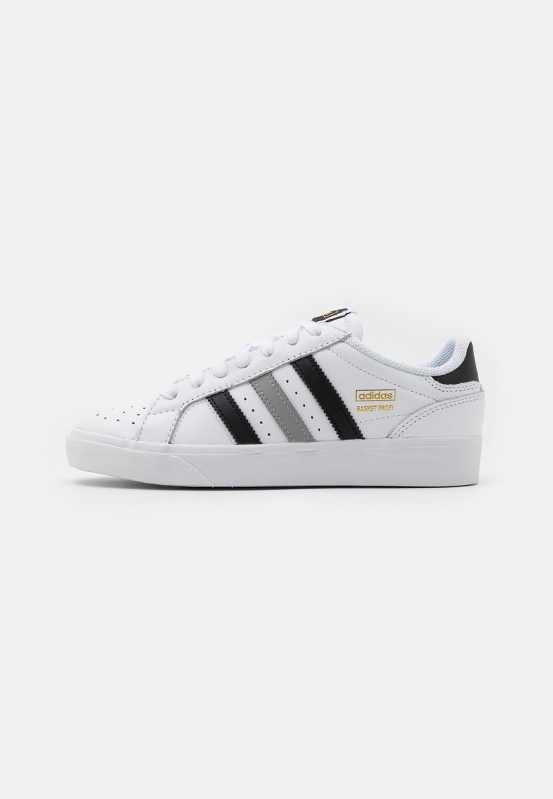 adidas Originals - BASKET PROFI LO UNISEX - Sneakers laag - footwear white/core black/gold metallic