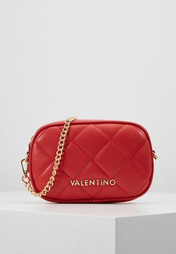OCARINA - Bum bag - rosso