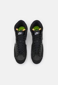 Nike Sportswear - BLAZER 77 - Baskets montantes - black/white - 5