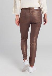 Marc Aurel - Slim fit jeans - shiny cognac - 2