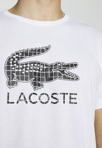 Lacoste Sport - BIG LOGO - T-shirt imprimé - white/black - 7