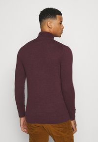 Burton Menswear London - FINE GAUGE ROLL  - Jumper - burgundy - 2