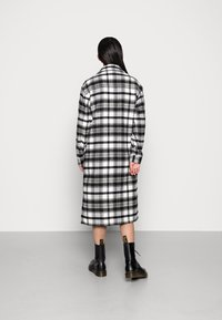 JDY - UMALA LONG CHECK JACKET - Classic coat - black - 2