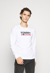 Tommy Jeans - LONGSLEEVE LOGO UNISEX - Long sleeved top - white - 0