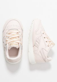 Reebok Classic - CLASSIC - Trainers - pale pink/chalk/gold - 0