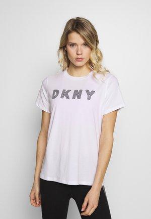 TRACK LOGO - Print T-shirt - white