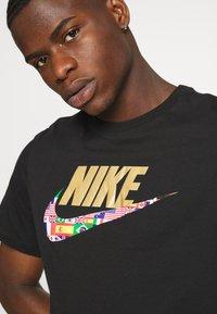 Nike Sportswear - TEE PREHEAT  - Print T-shirt - black - 5