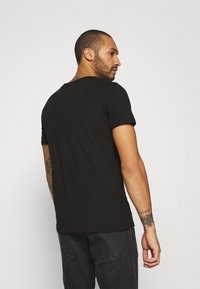 Jack & Jones - JJMOON TEE CREW NECK - T-shirt print - black - 3