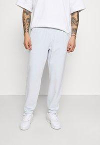 adidas Originals - PREMIUM UNISEX - Träningsbyxor - halo blue - 0