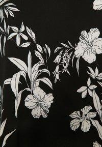 ONLY Carmakoma - CARLUXINA - Print T-shirt - black - 2