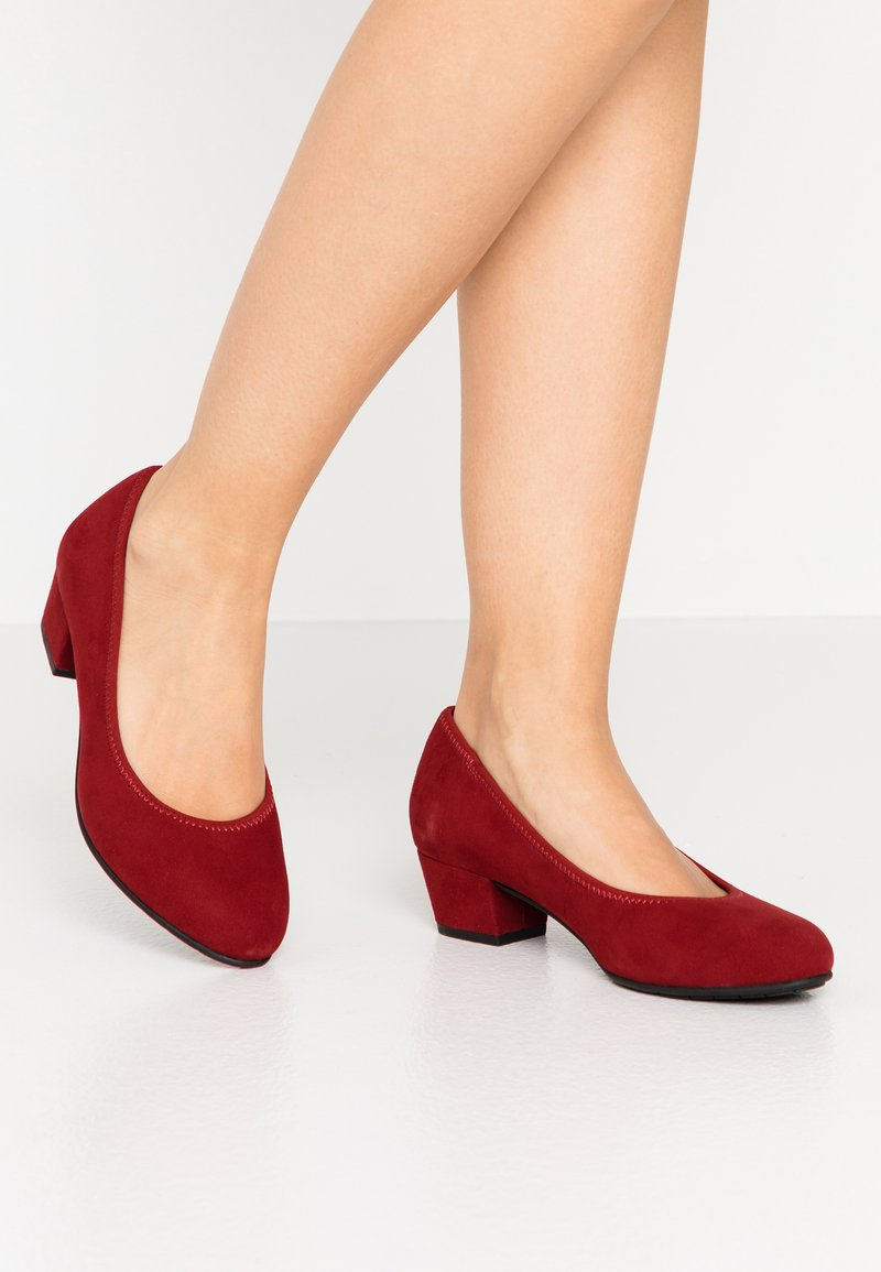 Jana - COURT SHOE - Classic heels - chili
