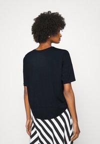 Lauren Ralph Lauren - ATHLEISURE - Print T-shirt - navy - 2