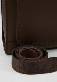 Pier One - LEATHER - Across body bag - dark brown - 7
