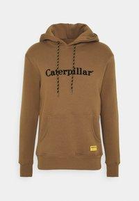Caterpillar - HOODIE - Luvtröja - camel - 0