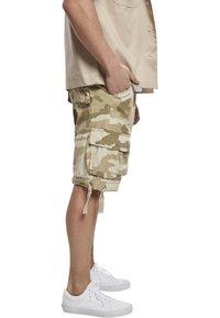 Brandit - BRANDIT ACCESSOIRES URBAN LEGEND  - Shorts - sandcamo - 2